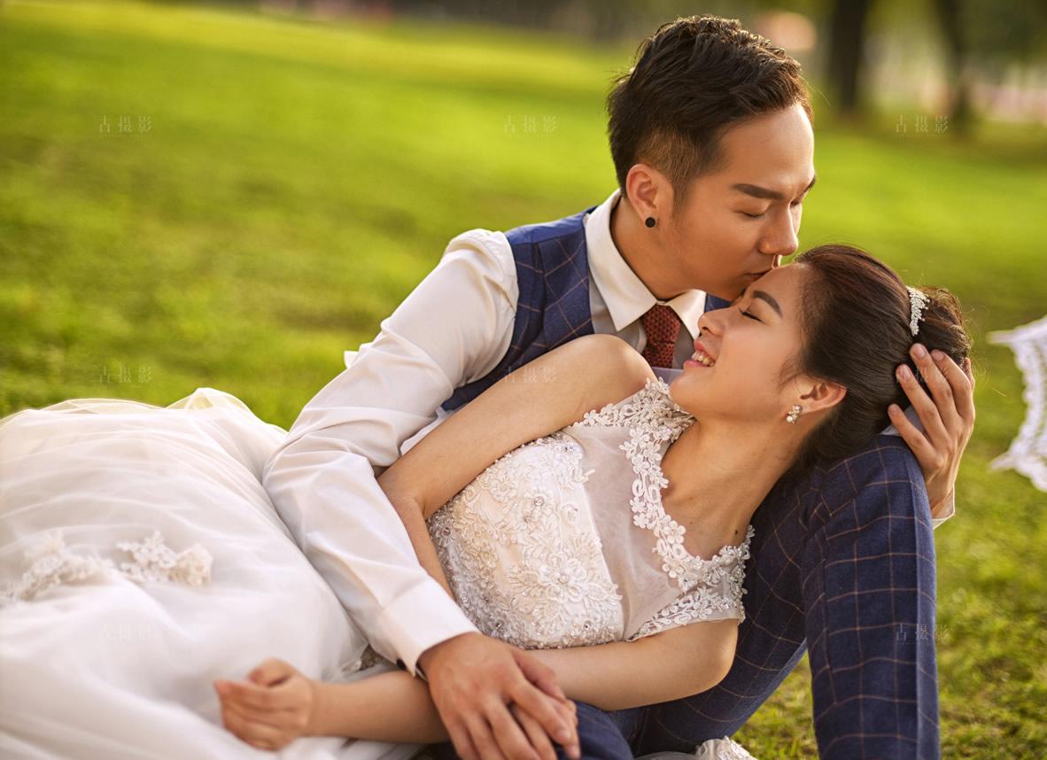 2月8日客片皮瑒 余丽婷 - 每日客照 - 武汉古摄影-武汉婚纱摄影艺术摄影网